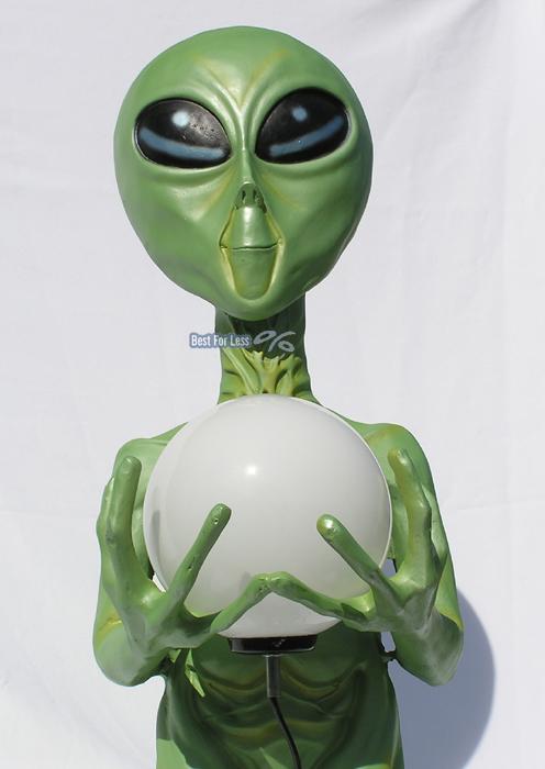 gr ner alien au erirdischer raumschiff figur statue lampe. Black Bedroom Furniture Sets. Home Design Ideas