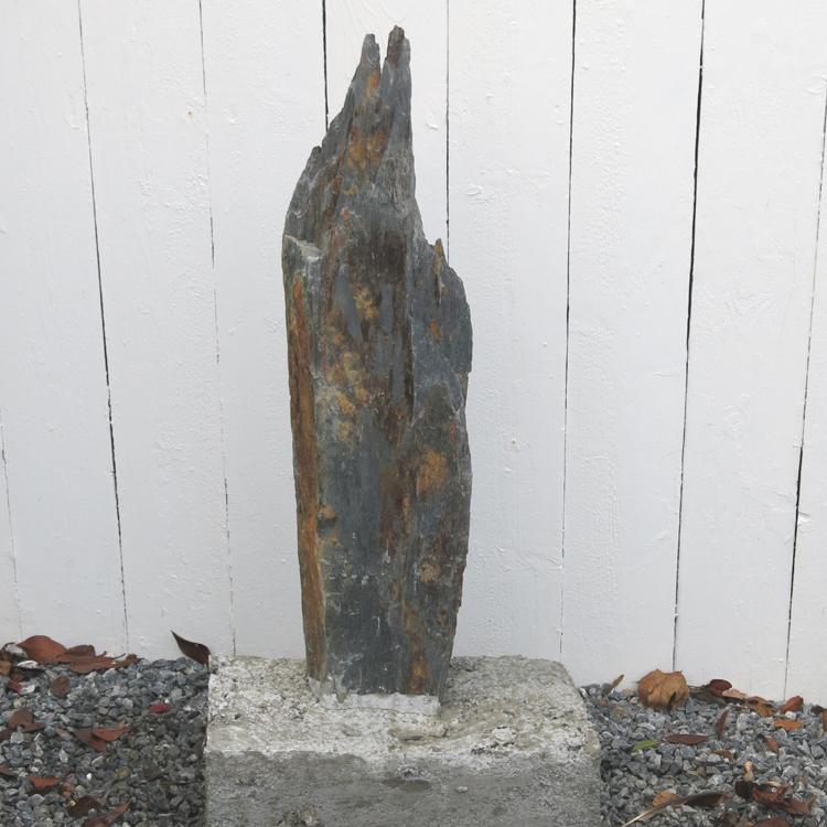 Schiefer s ule 104cm schiefers ule stein findling garten for Schiefer deko